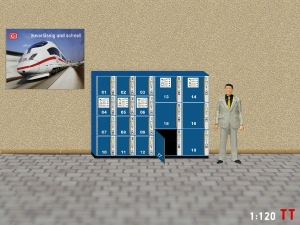 1/120 TT luggage locker with open door